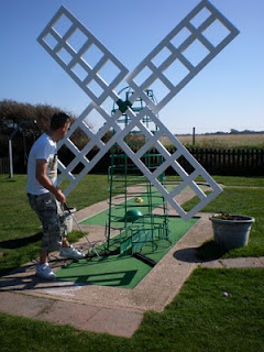 Minigolf - Selsey Crazy Golf BIG Windmill