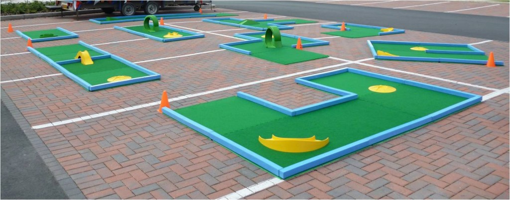9 hole layout for portable crazy golf