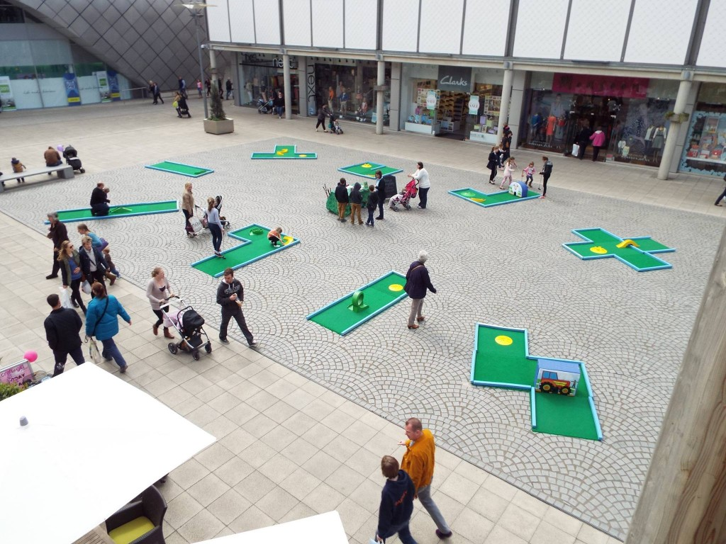 9 hole mini golf course at shopping centre