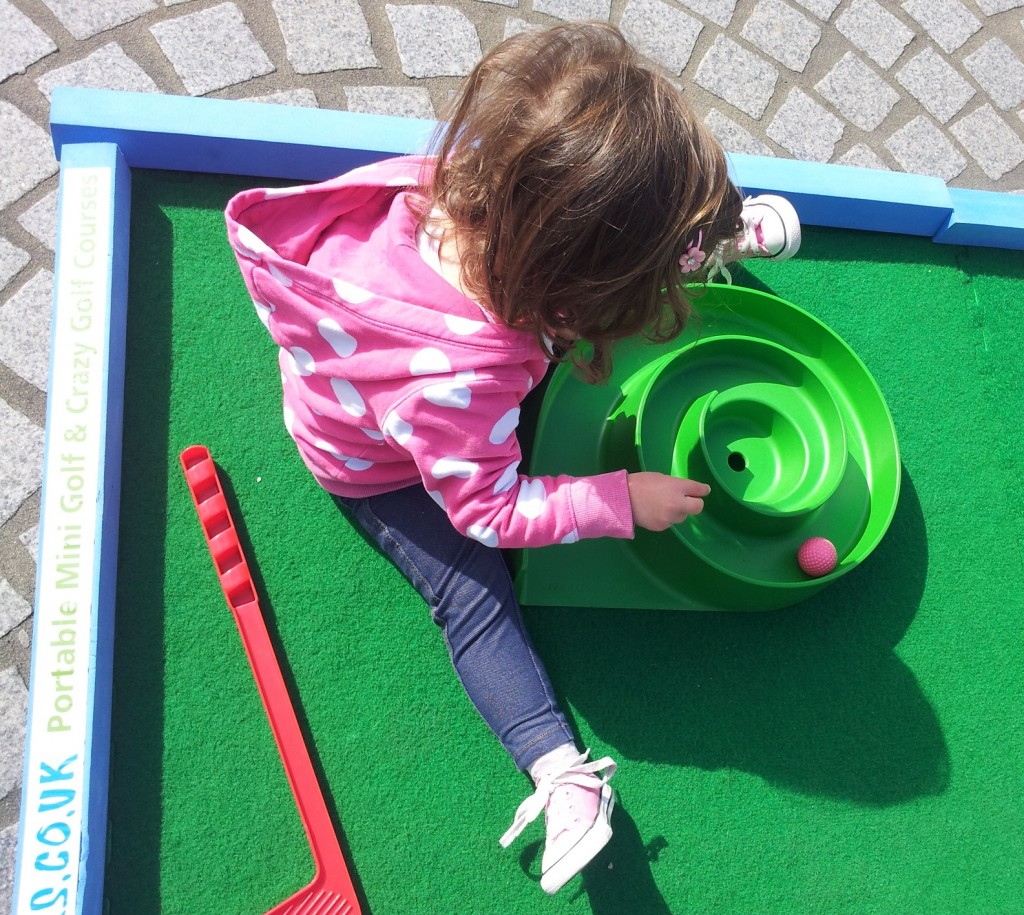 Benefits of minigolf, healthy crazy golf