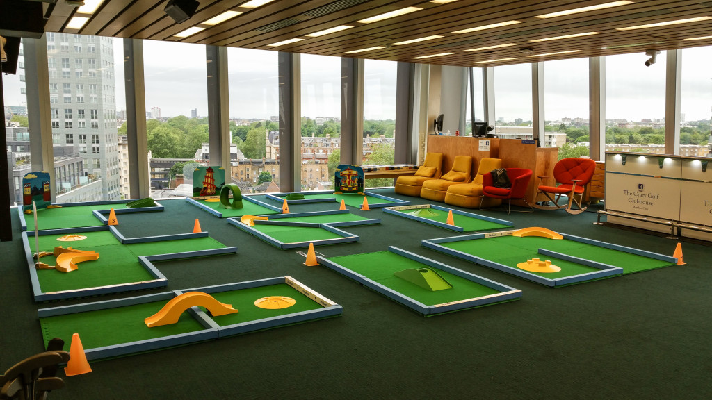 Minigolf course hire, crazy golf course, facebook, putterfingers