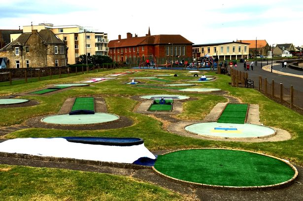 Troon, crazy golf, troon minigolf