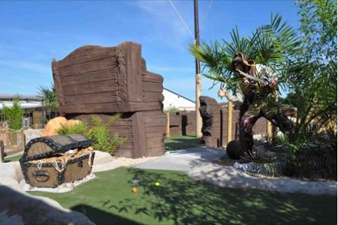 Adventure golf, minigolf, crazy golf course, golf, pirates