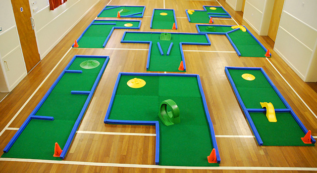 Portable crazy golf course