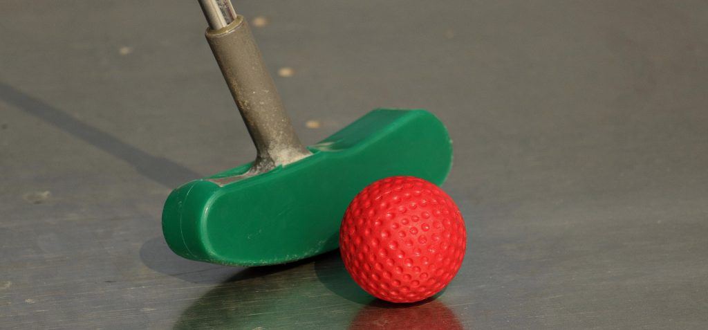 How to win at minigolf and crazy golf