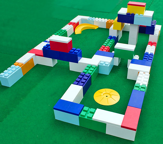 Megabricks lego crazy golf hole