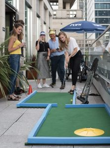 Mini golf for socialising