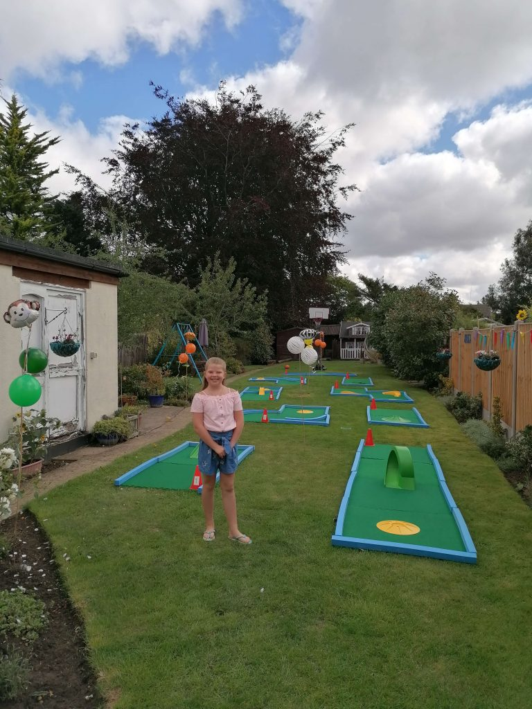 Mini golf hire UK