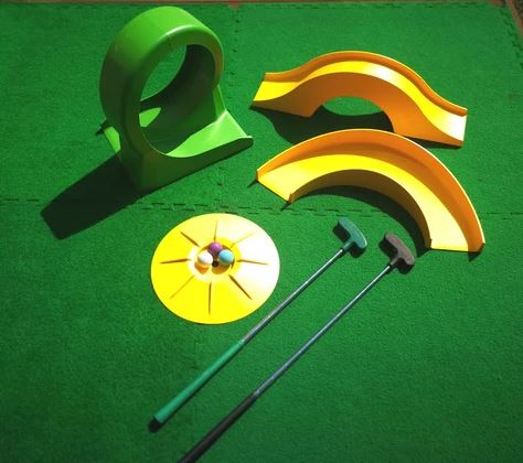 Basic mini golf set for home use