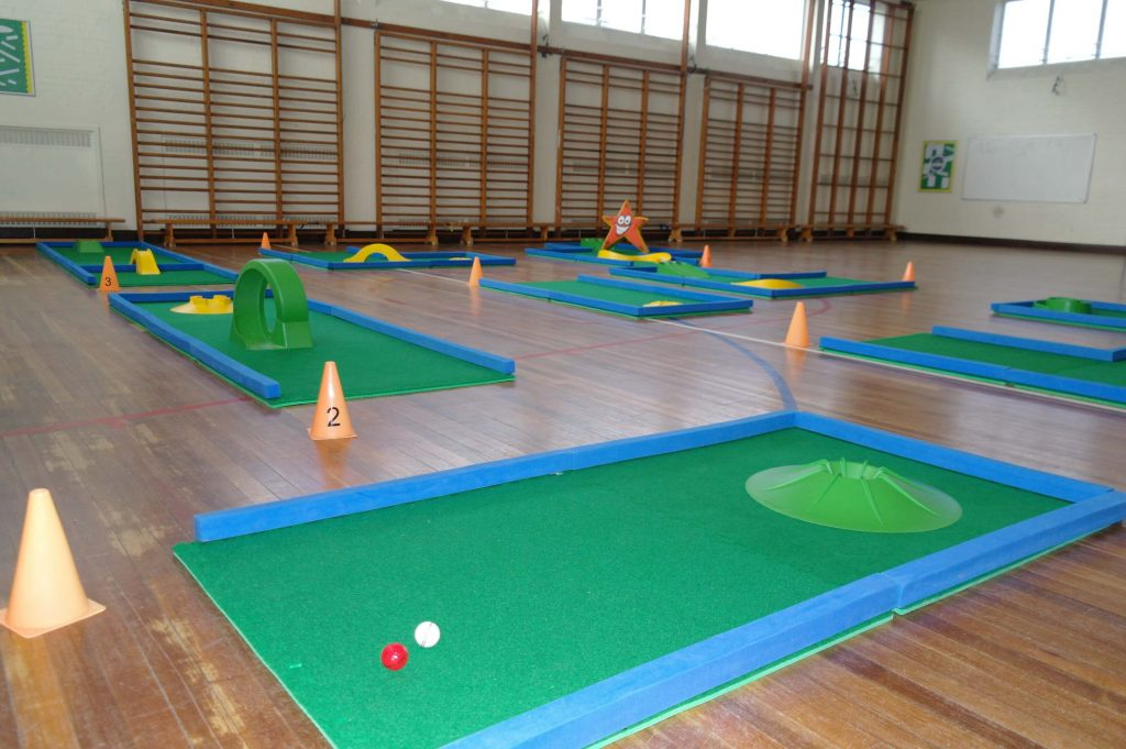 Mini golf for leisure centres and schools
