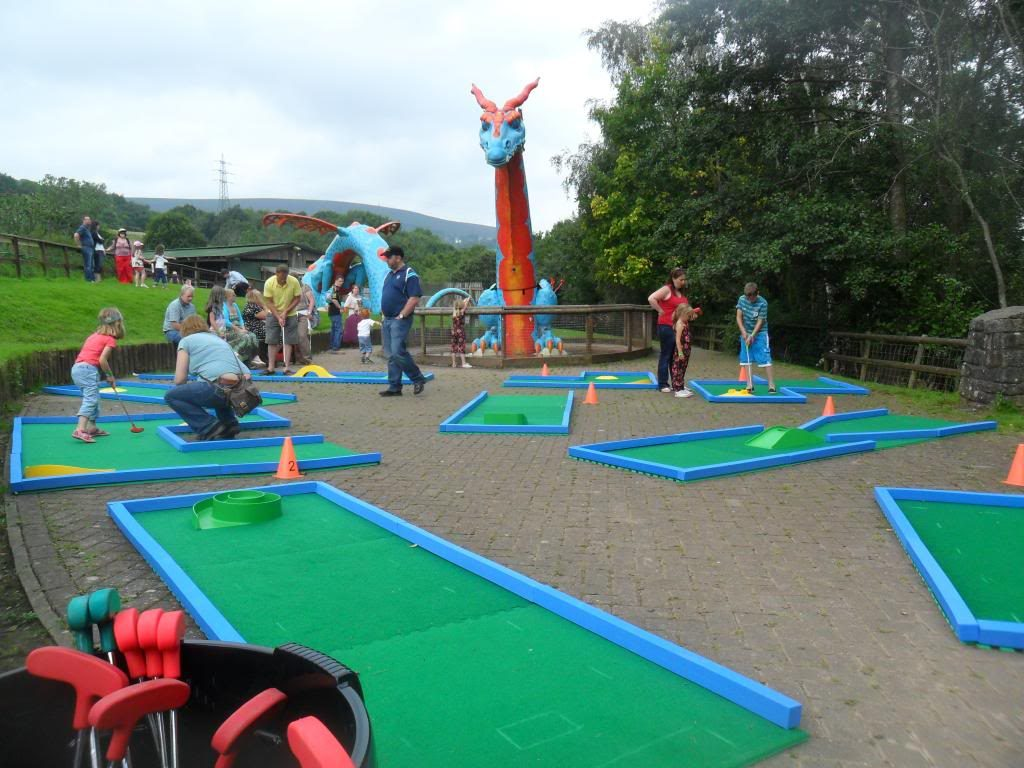 Holiday camp mini golf