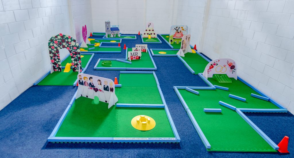 Mini golf wedding hire
