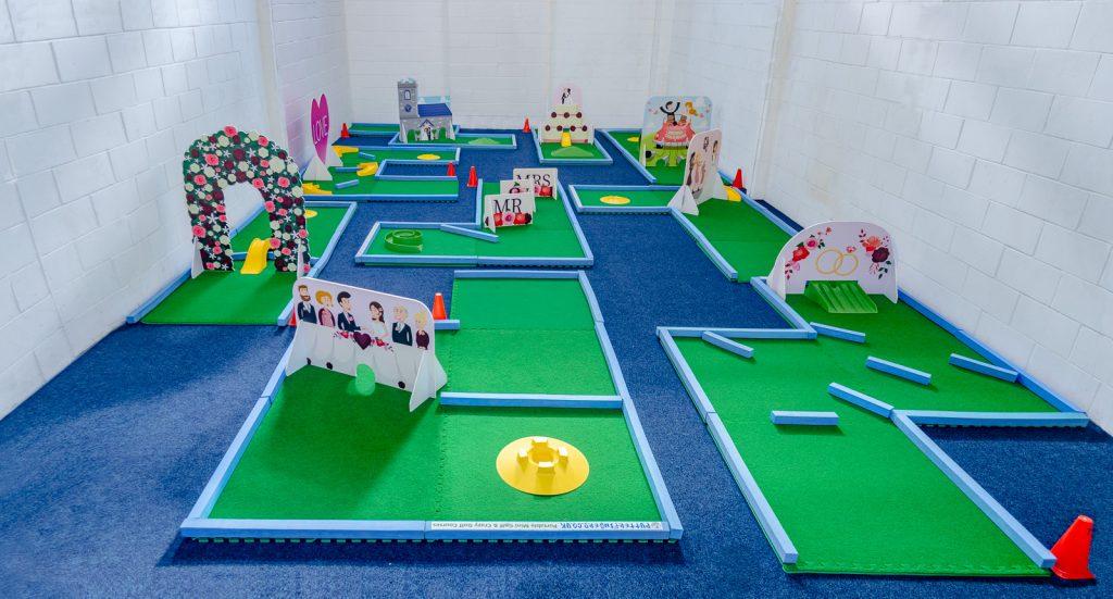 Wedding minigolf hire colours